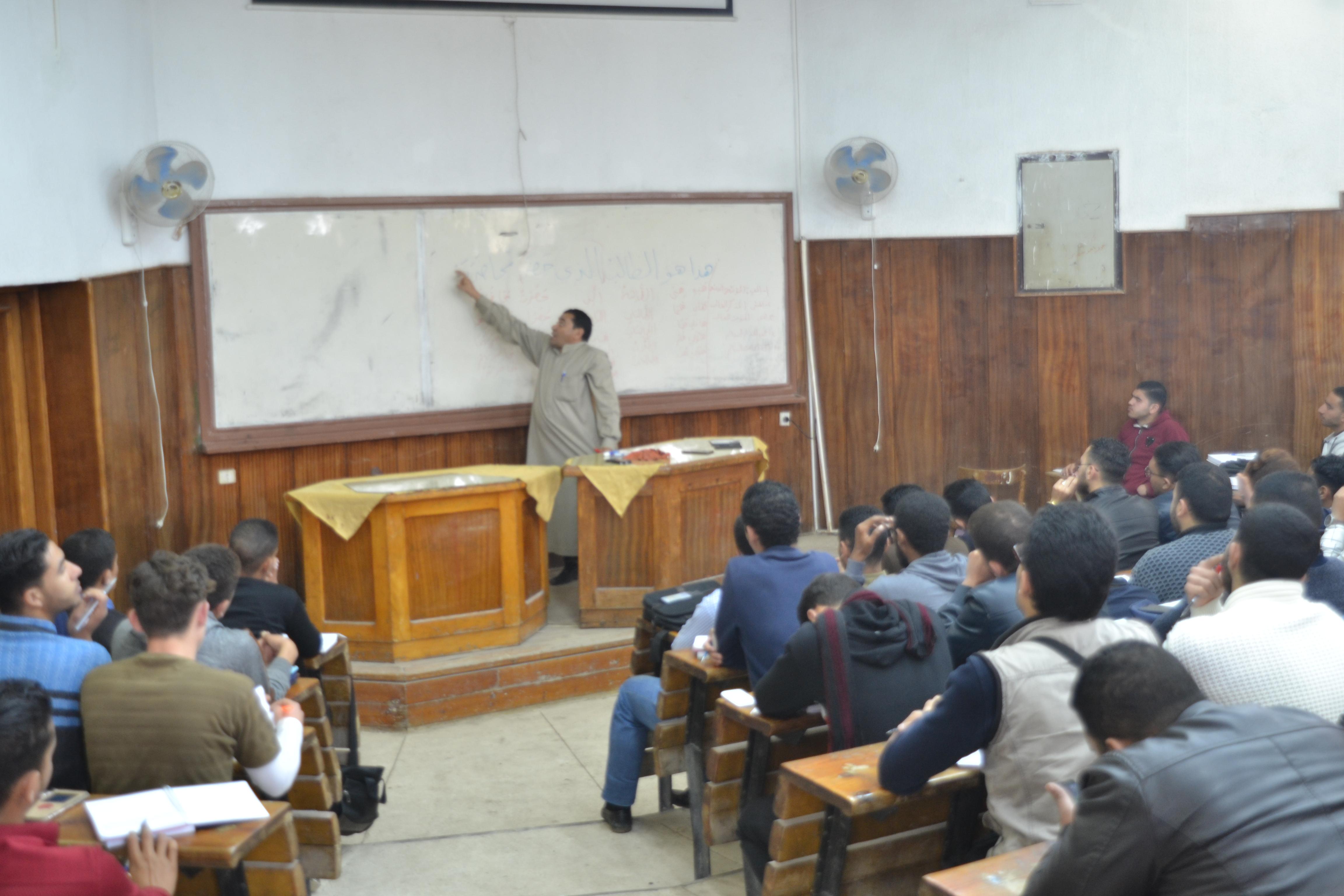 دورة طلابية بعنوان التدقيق اللغوي بالتعاون مع لجنة محاضرات التقوية